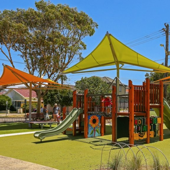 Attractive shade sails for playgrounds